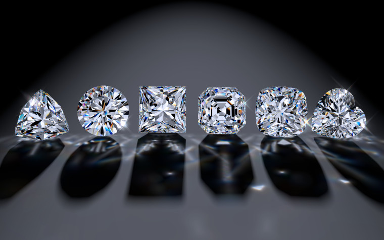 Six,Diamond,Of,The,Most,Popular,Cutting,Styles:,Round,Brilliant,