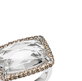 White quarzt and champagne diamonds cocktail ring